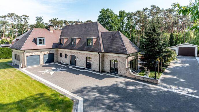 Buitengewoon huis te koop in Waasmunster